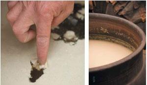 仕込み甕の中で酢酸菌の働きで酢に変化していく